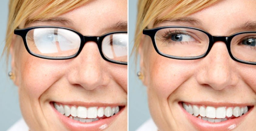 side by side comparision of women with glare and non glare on glasses lense