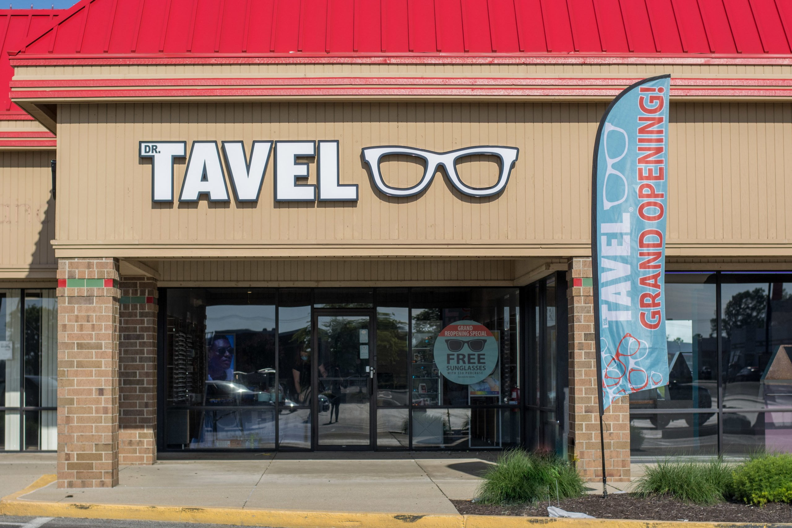 Dr. Tavel Bids Farewell to Anderson's Mounds Mall