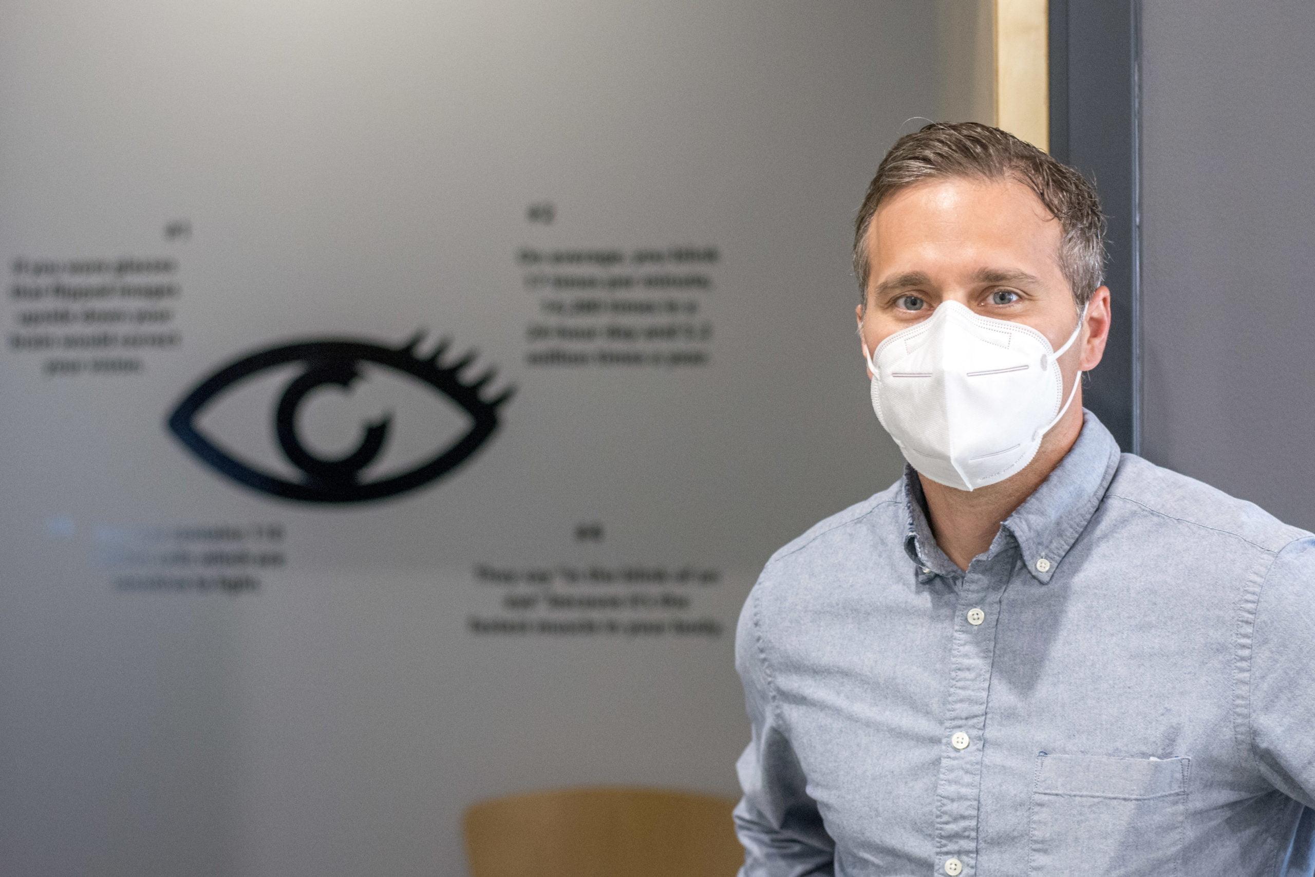 eye doctor wearing PPE