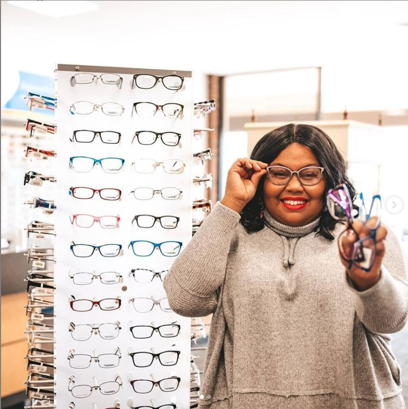 Indy content creator, eclectickurves shows off glasses at Dr. Tavel